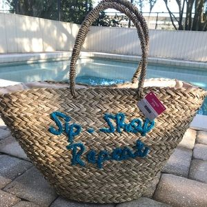 Handbags - NWT Straw Vacation / tote bag!